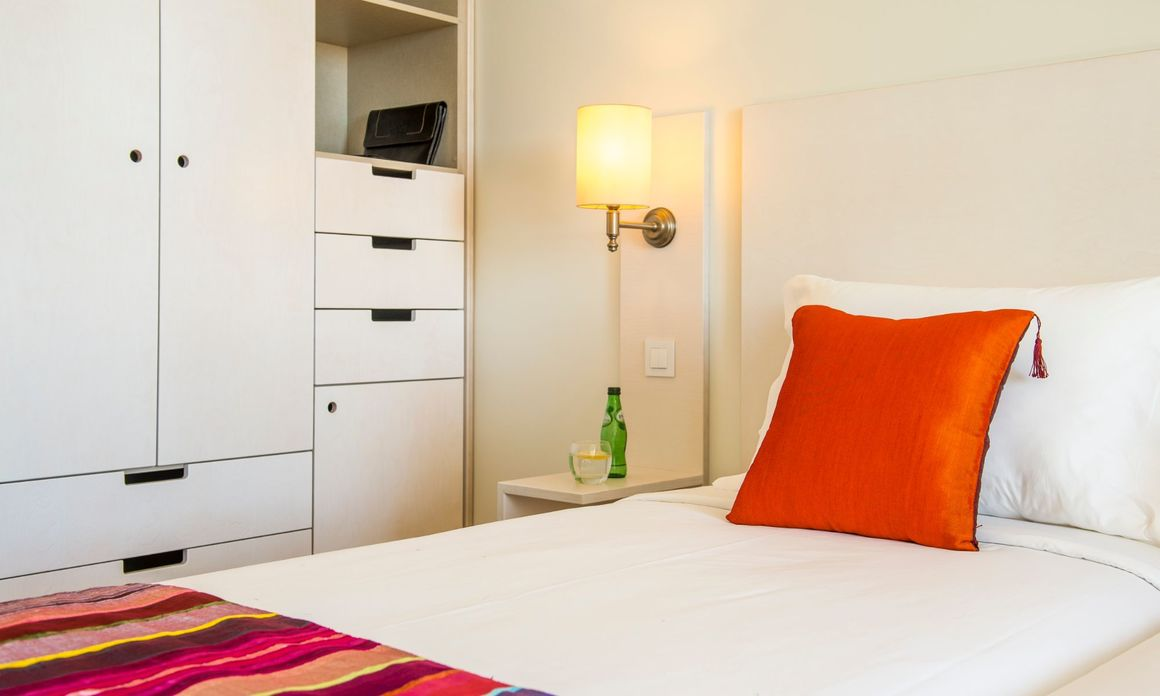 Hotel Londres - Twin Room with Extra Bed (for 3 adults)